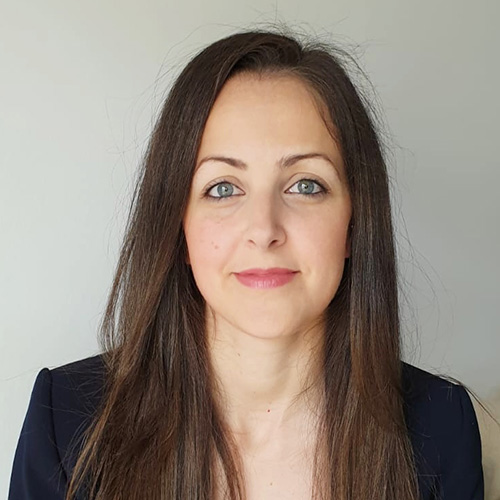 Dra. Cristina Alcázar