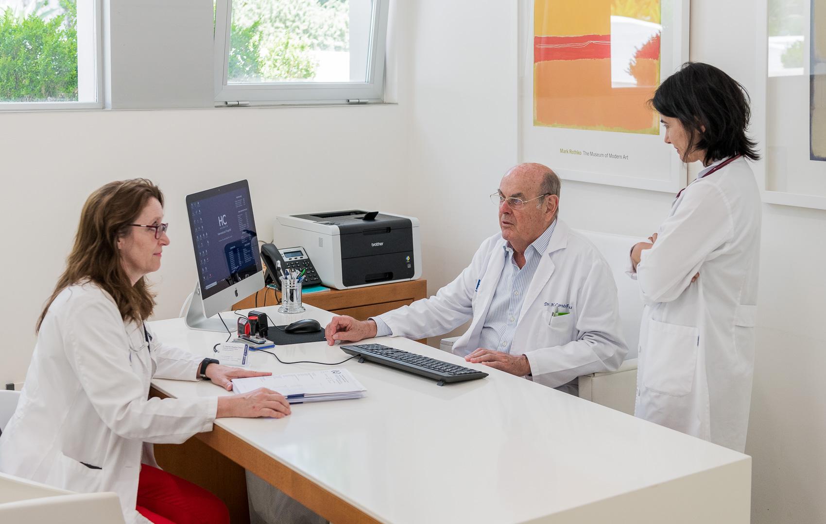 Dr. Hernán Cortés Funes- Oncólogo en Marbella