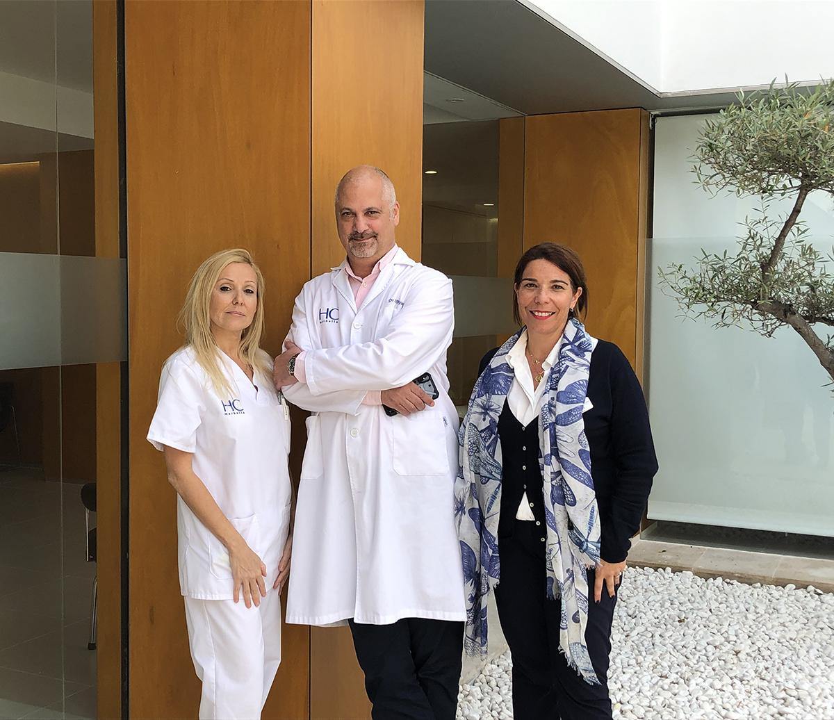 Dr. Pakzad y su equipo